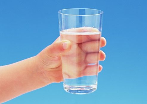 Як правильно пити воду?