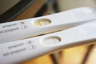 два тести на вагітність у одного слабка рожева смужка